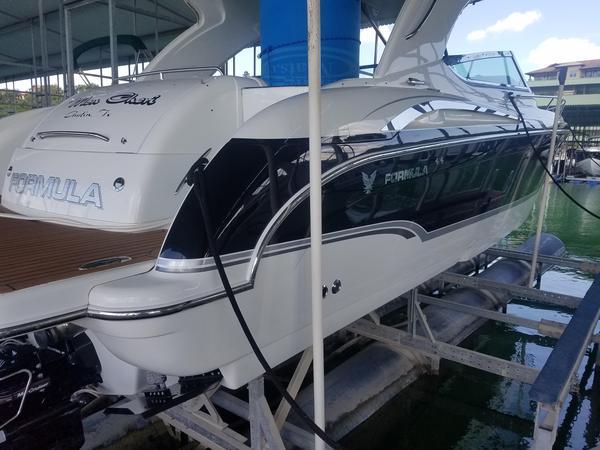 Used Formula 400 Super Sport High Performance Boat For Sale