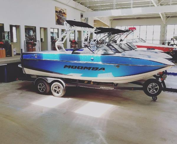 New Moomba Craz Ski and Wakeboard Boat For Sale