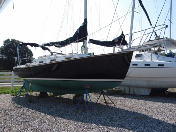 Used Island Packet 26 Cruiser Sailboat For Sale