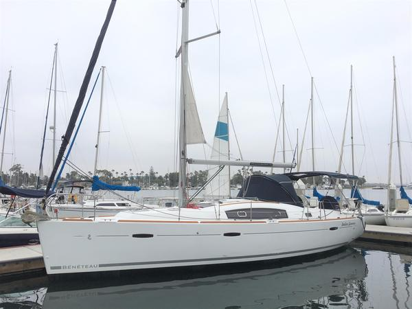 Used Beneteau 40 Sloop Sailboat For Sale