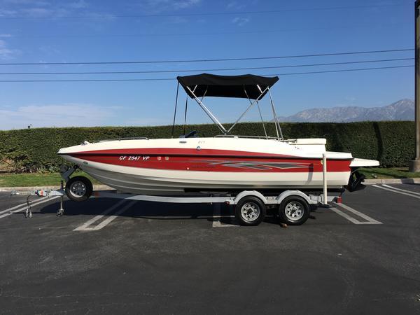 Used Bayliner 217 Deck Boat For Sale