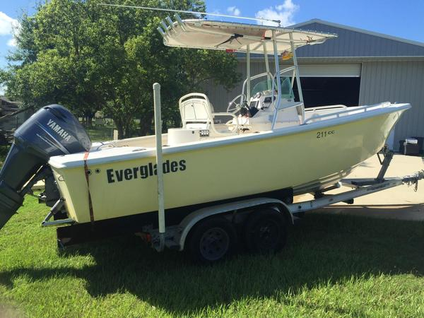 Used Everglades 211 Sports Fishing Boat For Sale