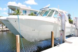 Used World Cat 320DC Power Catamaran Boat For Sale