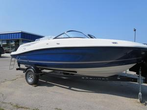 New Bayliner VR5 Bowrider Boat For Sale