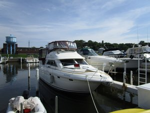 Used Cruisers Yachts 3650 Cruiser Boat For Sale