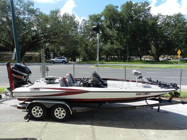 Used Triton 20X2 DC Saltwater Fishing Boat For Sale