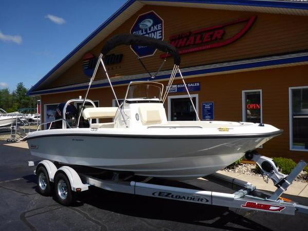 New Boston Whaler 180 Dauntless Limited180 Dauntless Limited Center Console Fishing Boat For Sale