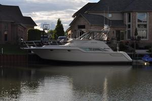 Used Cruisers 4280 Express Bridge Cruiser Boat For Sale