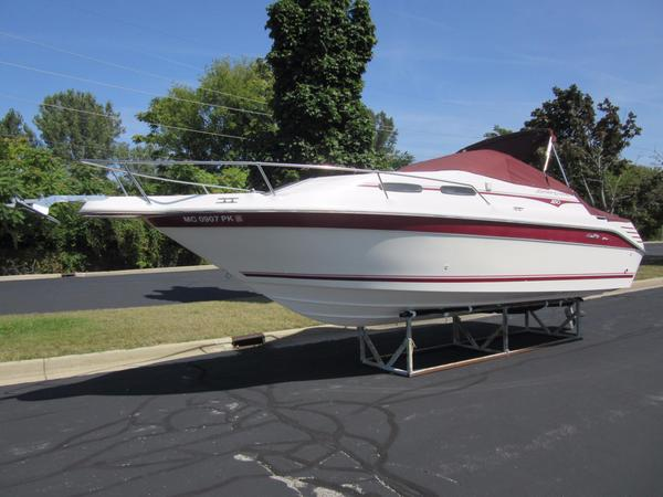 Used Sea Ray 250 Express Cruiser Cuddy Cabin Boat For Sale