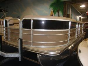 New Berkshire 22CLCTS25 Pontoon Boat For Sale