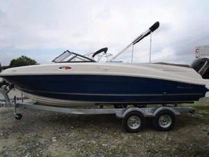 New Bayliner VR6 Bowrider Boat For Sale