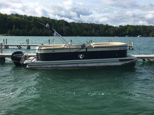 Used Crest II 230 SLC Pontoon Boat For Sale