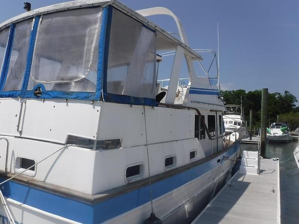 Used Marine Trader 40 Sundeck River Cruiser Boat For Sale