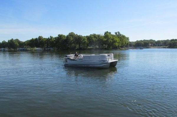 Used Sweetwater 2386RE2386RE Pontoon Boat For Sale