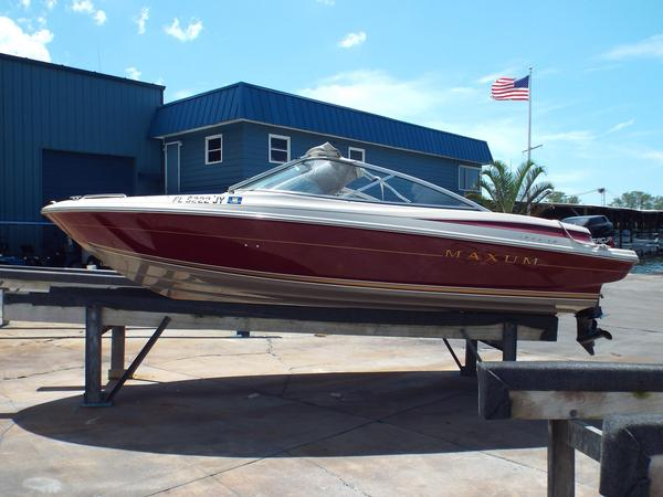 Used Maxum 1900 XR Bowrider Boat For Sale