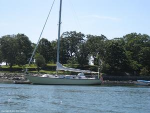 Used Irwin Yachts 43 Classic Sloop Sailboat For Sale