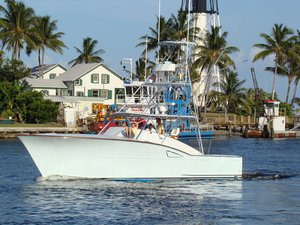 Used Daytona Custom Carolina Express Cruiser Boat For Sale