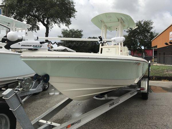 Used Pathfinder 2600 HPS Bay Boat For Sale
