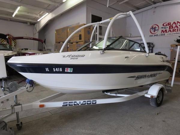 Used Sea-Doo UTOPIA 205 BOMBARDIER Ski and Wakeboard Boat For Sale