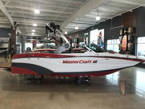 New Mastercraft XT20 Ski and Wakeboard Boat For Sale