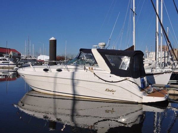 Used Rinker Fiesta Vee 342 Cruiser Boat For Sale