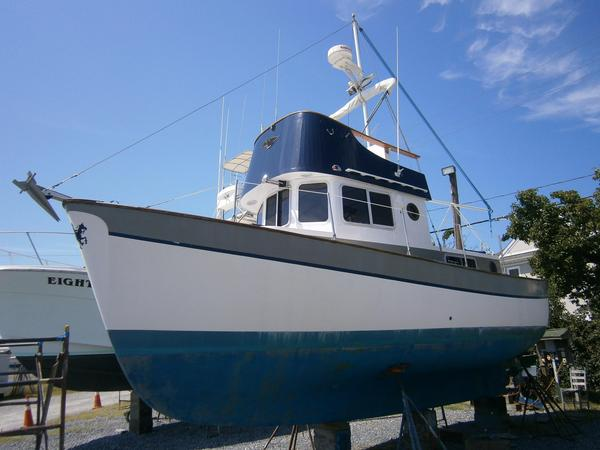 Used Willard 30 Searcher Trawler Boat For Sale