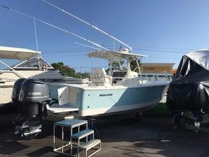 Used Regulator 28 Freshwater Fishing Boat For Sale