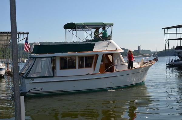 Used United Ocean Europa Sedan Trawler Boat For Sale