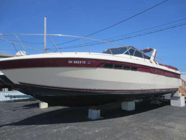 Used Chris-Craft 332 Commander Express Cruiser Boat For Sale