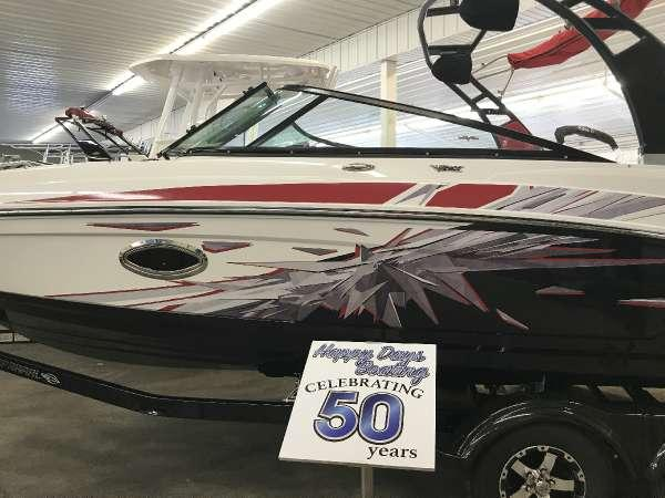 New Chaparral 2430 VRX Jet Boat For Sale