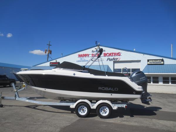 New Robalo R227 DCR227 DC Dual Console Boat For Sale