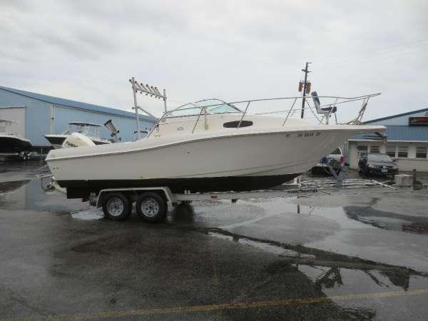 Used Wellcraft 24 WA Walkaround Fishing Boat For Sale