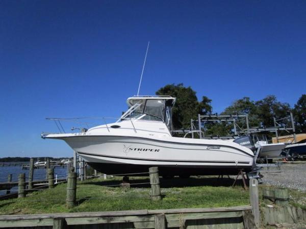 Used Seaswirl 2300 WA Walkaround Fishing Boat For Sale
