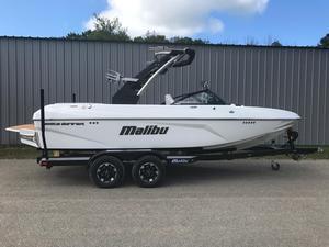 New Malibu 21VLX Ski and Wakeboard Boat For Sale