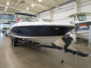 New Sea Ray 230 SPX Ski and Wakeboard Boat For Sale