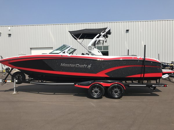 New Mastercraft X26 Ski and Wakeboard Boat For Sale