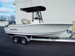 New Nauticstar 2102 Legacy2102 Legacy Center Console Fishing Boat For Sale