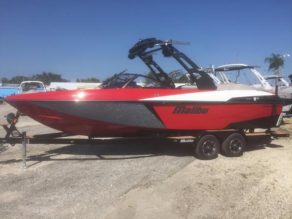Used Malibu LSV Ski and Wakeboard Boat For Sale