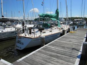 Used Morgan 43 CC Center Cockpit Sailboat For Sale
