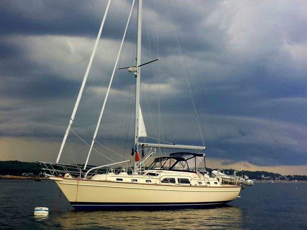 Used Island Packet Center Cockpit Sailboat For Sale