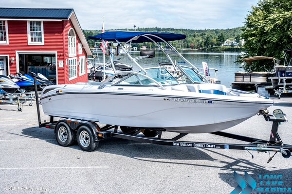 Used Nautique Crossover 211 Ski and Wakeboard Boat For Sale