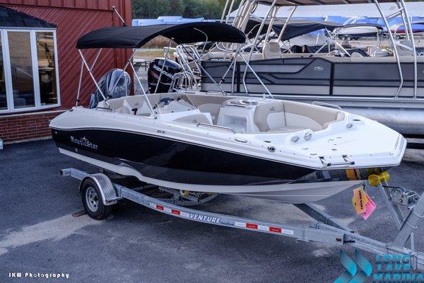 New Nauticstar Deck Boat For Sale