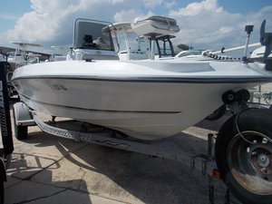 Used Triumph Boats 190 Bay Center Console Fishing Boat For Sale