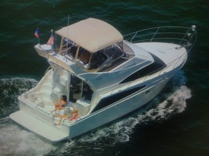 Used Carver 33 Super Sport Flybridge Boat For Sale