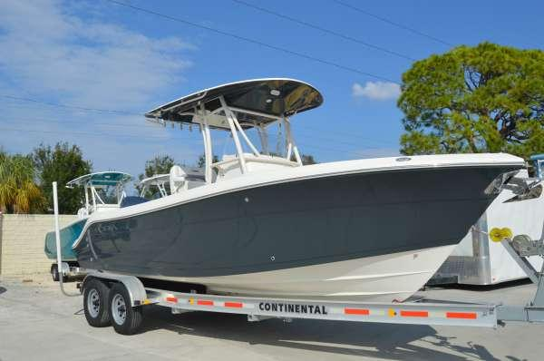 New Cobia Boats 237 CC Center Console Fishing Boat For Sale