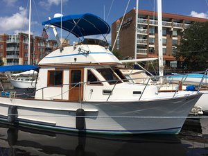 Used Senator Fisherman Flybridge Boat For Sale