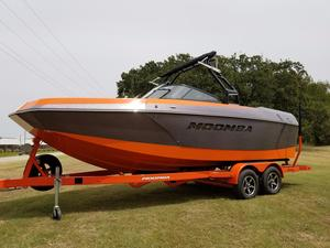 New Moomba Max Ski and Wakeboard Boat For Sale