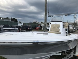 New Sportsman Boats 214 Tournament Bay Boat For Sale