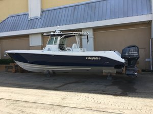 Used Everglades Boats Fishing Boat 350CC Sports Fishing Boat For Sale