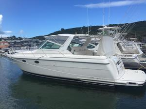 New Tiara 3500 Express Cruiser Boat For Sale